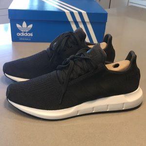 Adidas SWIFT RUN Male Running Shoes